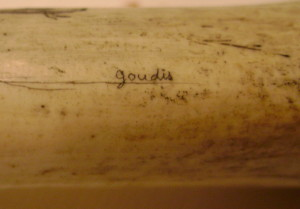 signature of mystery artist 19 - goudis