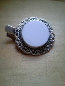 Corian Cab set in antique barrette setting - top